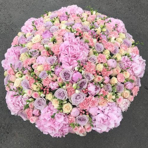 Корзина цветов Monika