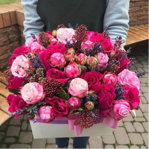 Корзина цветов Laura